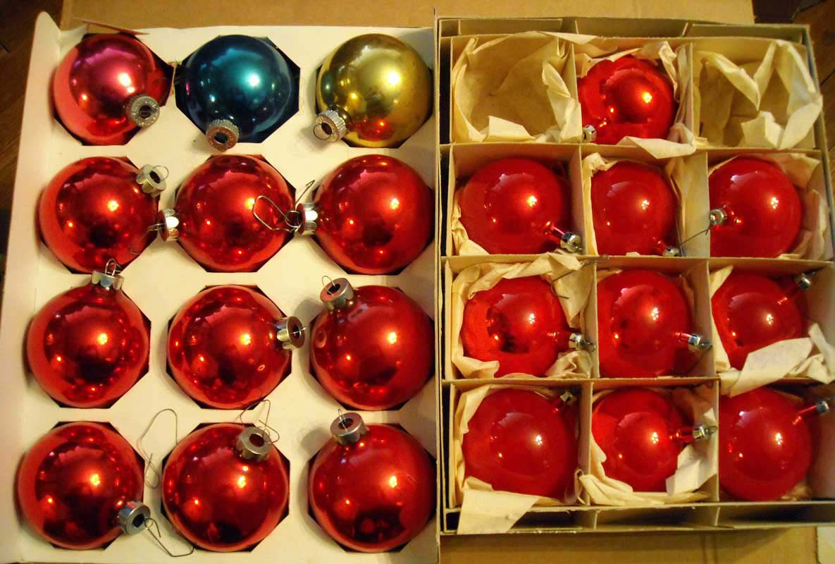 vintage globe ornaments 2 boxes